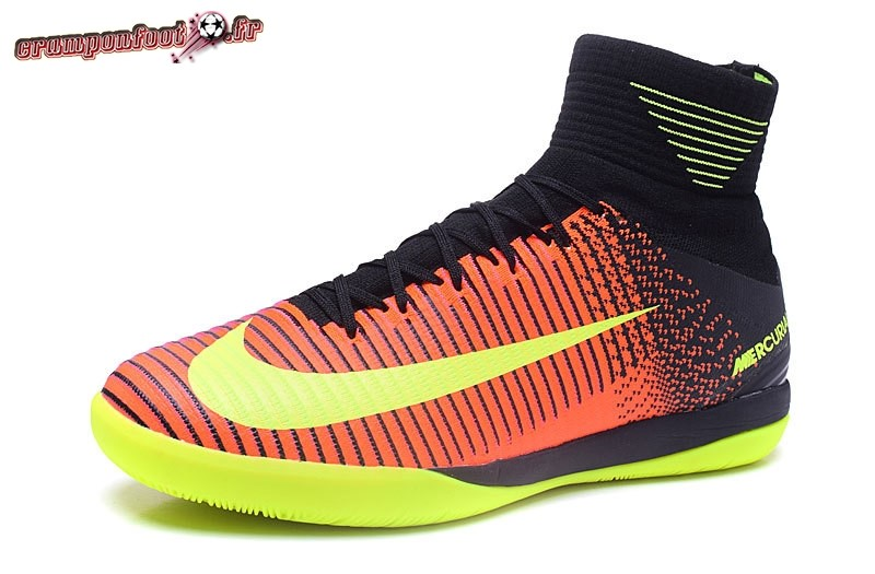 Chaussures de Foot - Chaussure Nike MagistaX Proximo II INIC Jaune Orange  Rose Noir - Crampon ... bf1aae3990db