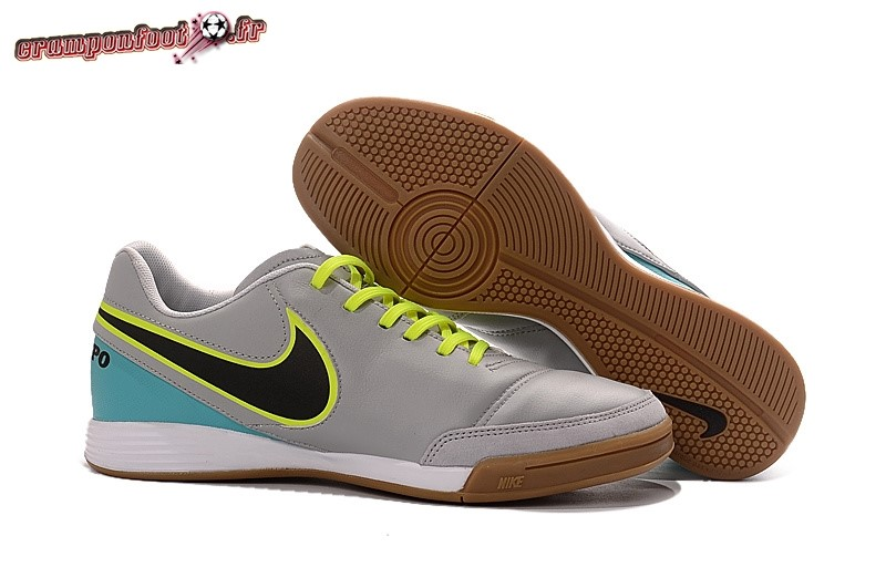 Soldes Chaussure Nike Tiempo Mystic V INIC Gris - Crampon de Foot