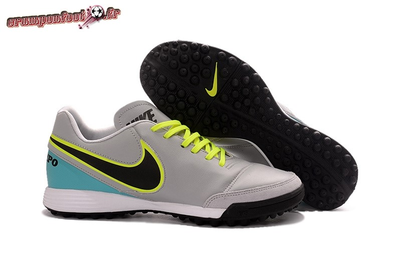 Trouver - Chaussure Nike Tiempo Mystic V TF Gris - Crampon de Foot